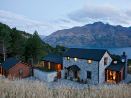 Hammock Ridge client's home overlooking Lake Wakatipu, Queenstown, New Zealand