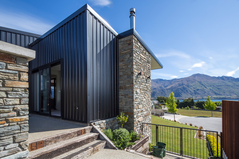Picture of house with view of Lake Wanaka and Mount Roy