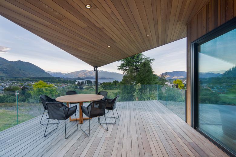 Image of deck overlooking Lake Wanaka